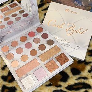 Carli Bybel Deluxe Edition eyeshadow & highlight